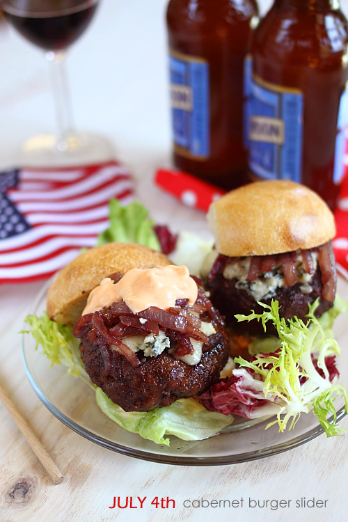 Cabernet-and-Gorgonzola-Burger-Sliders4