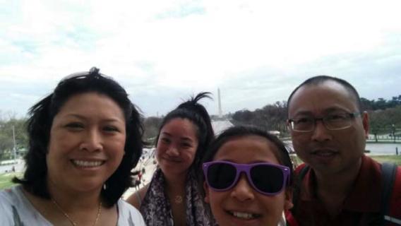 At Lincoln Memorial with Washington Monument behind us (Donna, Amy, Miranda and Ray)